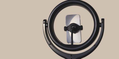 ring-light-blogging-equipment-home-studio-concept_79087-3403